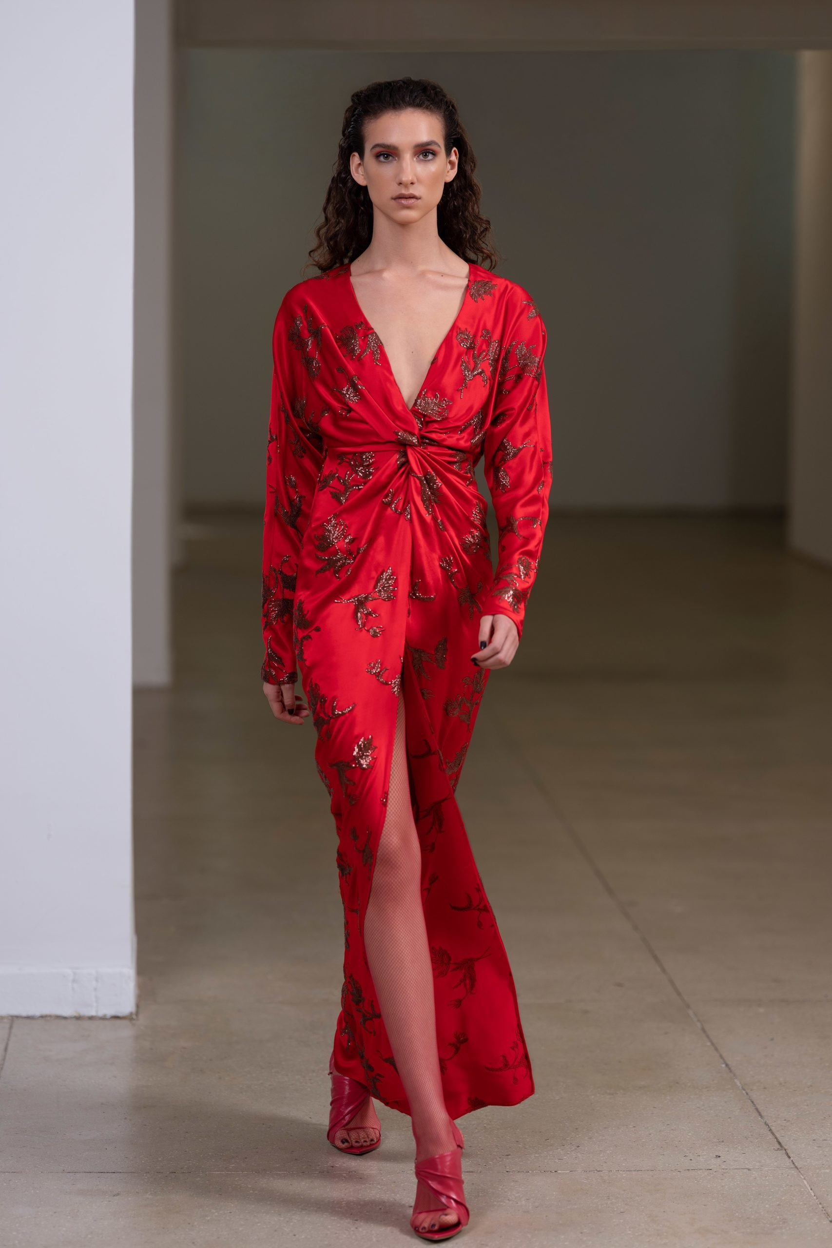 00013-PRABAL-GURUNG-Pre-Fall-2020-credit-Kat-Irlin