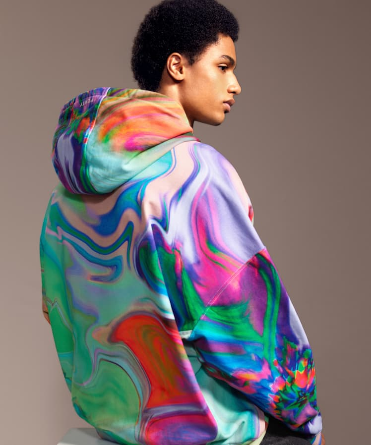 fenty_oversized-printed-hoodie-psychedelic-2_748w